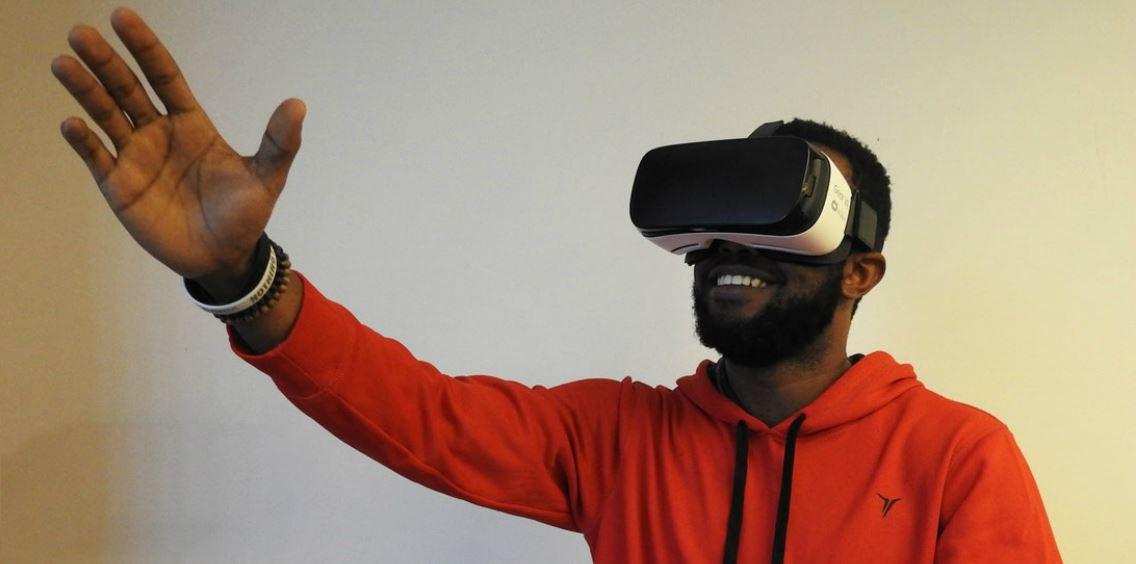 ENTWICKELN SIE VIRTUELLE REALITÄTS-TOUR MIT VR-SOFTWARE